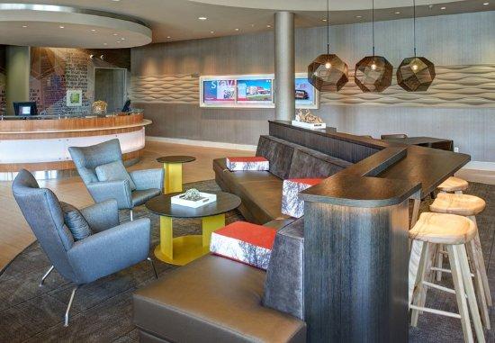 Saginaw, MI: Lobby - Seating Area