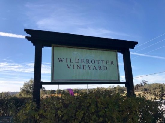 Wilderotter Winery: Wilderotter Entrance