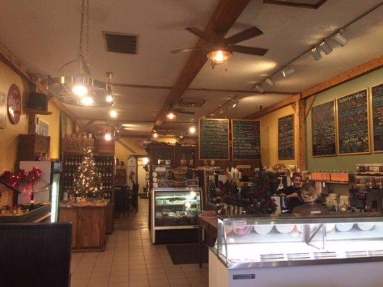 Fremont, MI: Inside the Koffee Kuppe