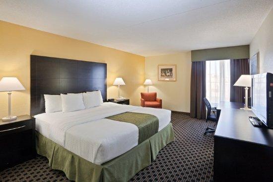 ซาลินา, แคนซัส: Guest Room
