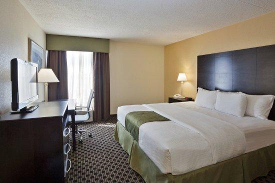 Salina, KS: Guest Room