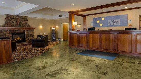 South Burlington, VT: Hotel Lobby