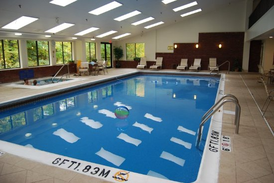 Саут-Берлингтон, Вермонт: Swimming Pool at the Holiday Inn Express South Burlington, Vermont