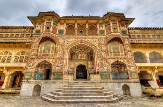 Private Jaipur Sightseeing Day Trip with Royal Palaces With Entrance...