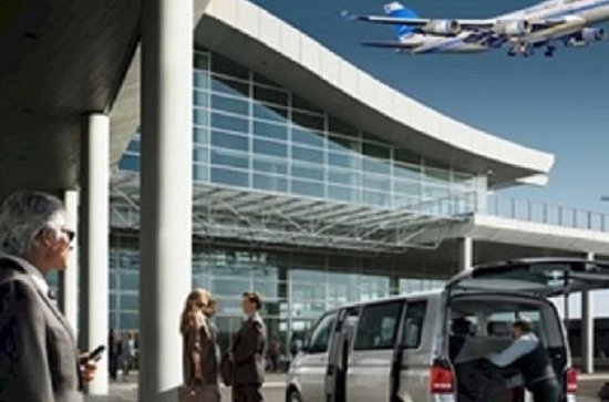 Private Chauffeur Driven Airport Transfers in Auckland
