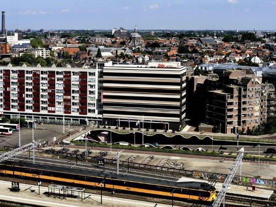 Ibis Leiden Centre: Exterior