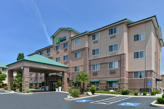Swimming Pool Foto Holiday Inn Express Medford Medford Tripadvisor