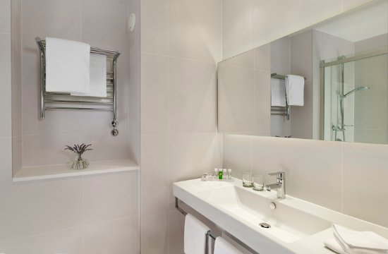 Park Plaza Histria Pula: Superior Room Bathroom