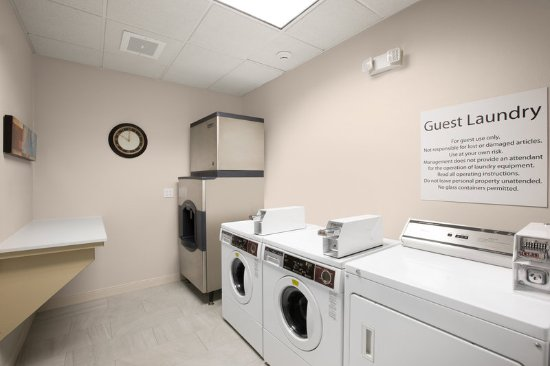 Hastings, NE: Laundry Facility