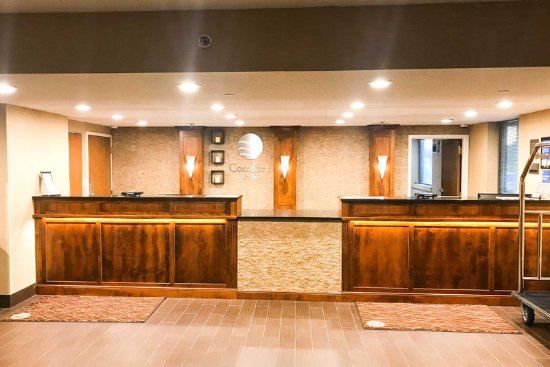 Comfort Inn Farmington Hills: Front desk