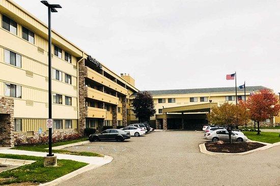 Farmington Hills, MI: Hotel exterior
