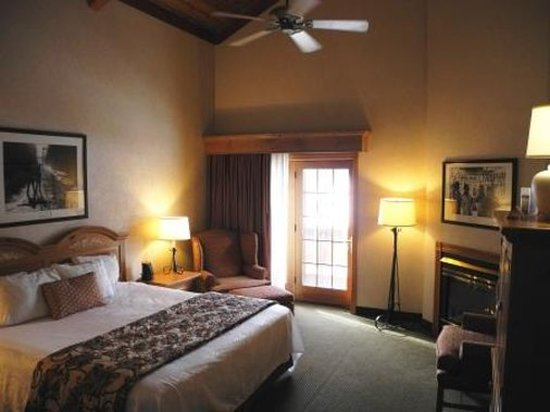 Ellicottville, NY: King Deluxe Room