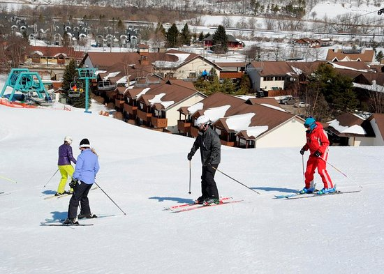 Ellicottville, NY: Ski To The Inn At Holiday Valley