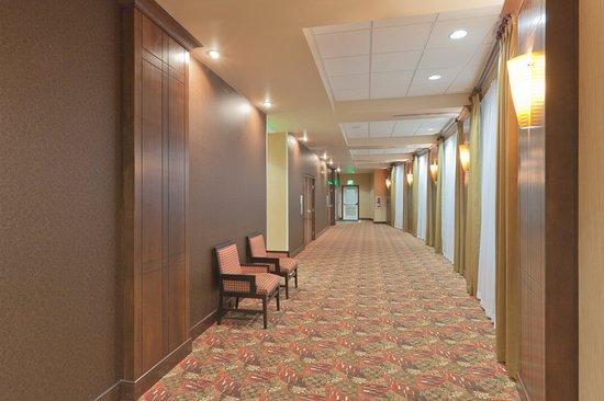 Jackson, MI: Pre-function Area