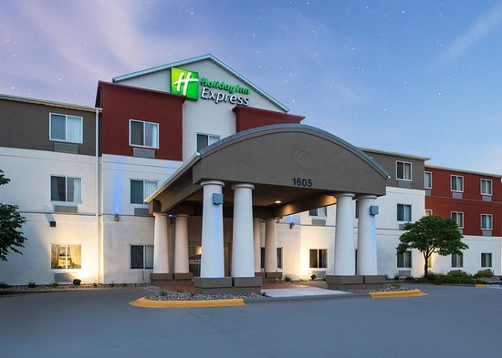 Burlington, IA: Hotel Exterior