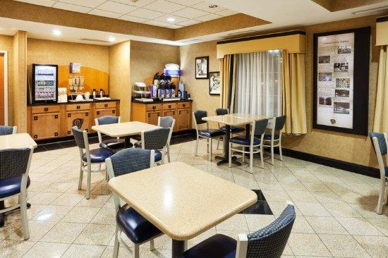 Gastonia, NC: Breakfast Area