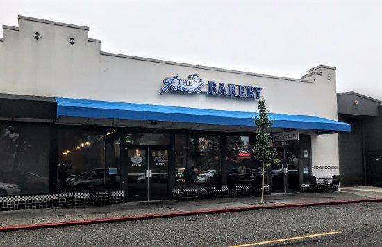 Bellevue, WA: Front entrance