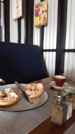 Mele, Vanuatu: Bagels with cream cheese and sun dried tomato