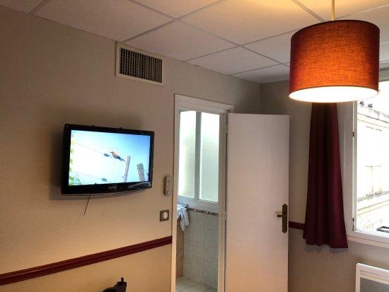 zimmer im hotel picture of hotel des 4 soeurs bordeaux tripadvisor. Black Bedroom Furniture Sets. Home Design Ideas