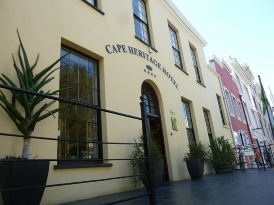 Cape Heritage Hotel: Facade on the main street (Bree)