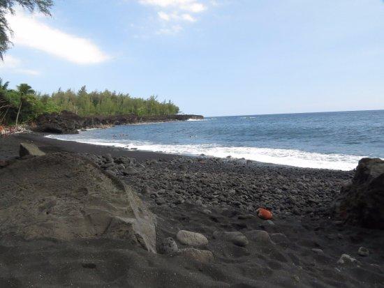 Pahoa, Hawái: Warm black sand