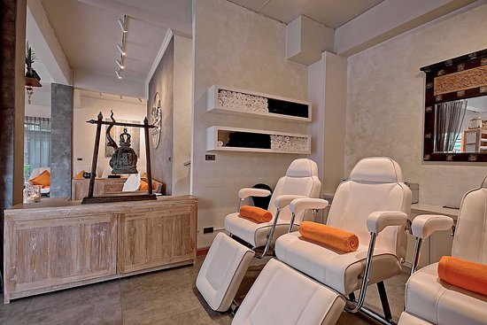 5 Star Massage: beauty salon
