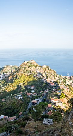 Castelmola, Italia: виды с прилегающих улочек