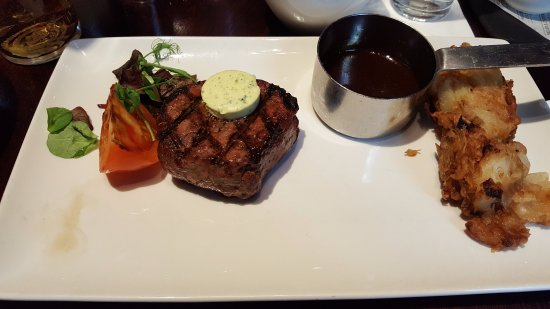 Rothley, UK: Excellent steak with an amazing sauce