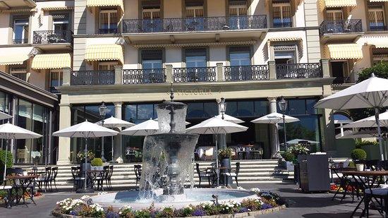 Belle Epoque Hotel Victoria : 傳統的瑞士酒店外型