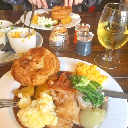 Burwell, UK: Sunday Roasts & Aspall Cider