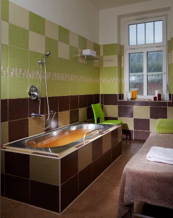 Hejnice, Czech Republic: léčivá Uhličitá koupel