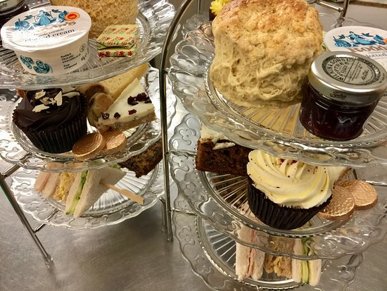 Builth Wells, UK: Afternoon tea at Cwtch