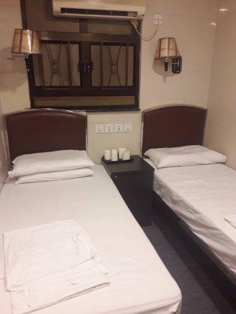 UK Deluxe Hostel