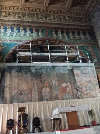 Basilica di Santa Maria in Domnica alla Navicella: la struttura di protezione del mosaico del catino absidale