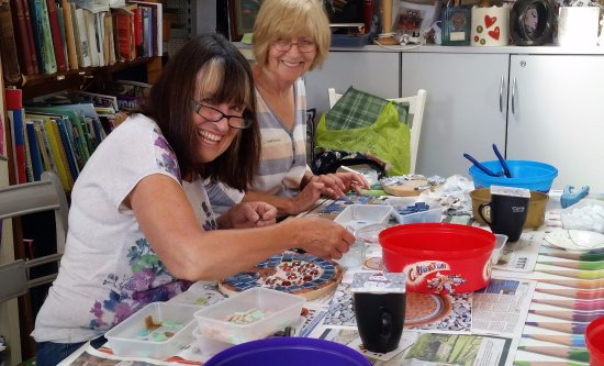 Lechlade, UK : Mosaic Making - learn the techniques and take home a decorative piece