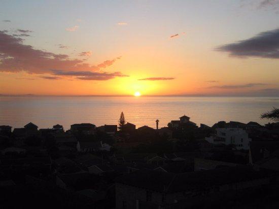 Jeffreys Bay, África do Sul: SUNRISE FROM GARDEN FLAT