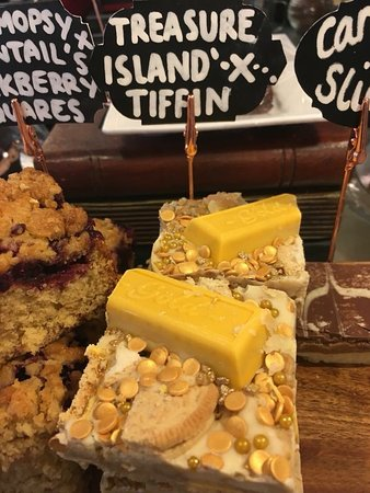 Crickhowell, UK: Treasure Island Tiffin