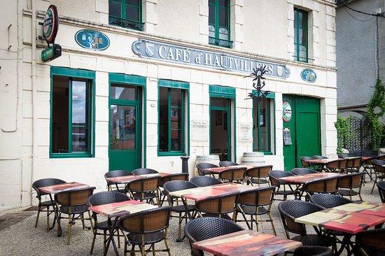 Hautvillers, France: Café terasse