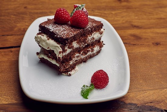 Voluntari, Romania: House receipe- Chocolate layer souffle with mascarpone and raspberries