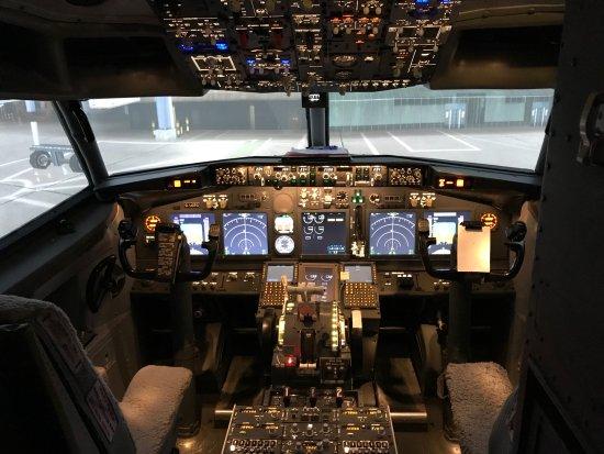 Boeing 737 Cockpit - Picture of Deeside Flight Simulators, Ellesmere