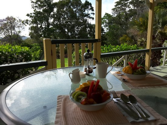 Cooroy, Australia: Breakfast on the verandah