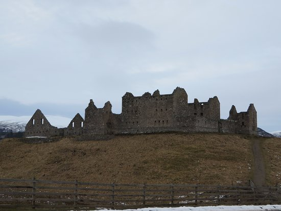 Newtonmore, UK: really nice ruins