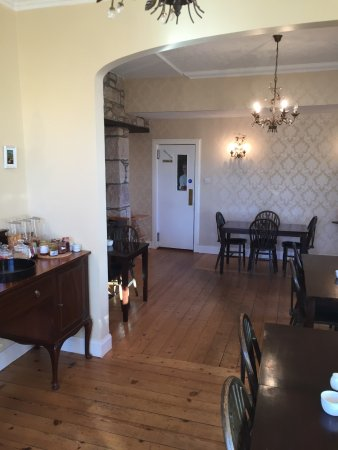Cawdor House: Gemütlicher Frühstücksraum