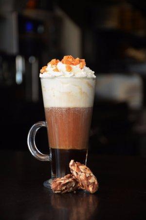 Arcen, The Netherlands: Coffee and cream, walnut delight.