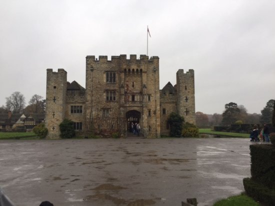 Hever Castle still imposing in the wet November day 2017!
