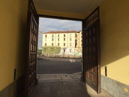 Barrio Navigli: Scorcio da portone