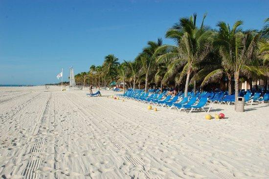 Viva Wyndham Maya - An All Inclusive Resort : la plage et le sable qui reste froid !