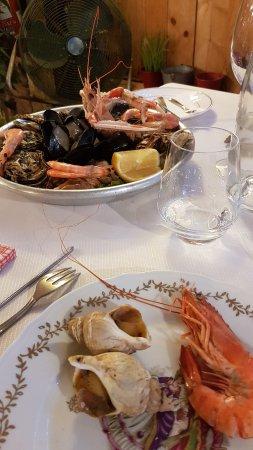 Le Pique Bouffique : Assiette de fruits de mer (un peu cher pour ce qu'il y a)