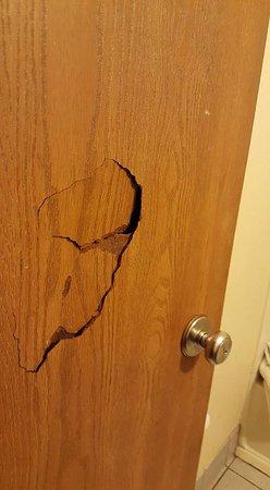 Super 8 Franklin/Middletown Area: Bathroom door in room 226