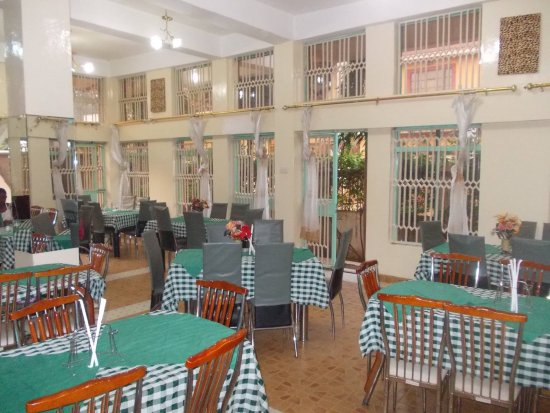 Busia, Kenya: the restaurant area